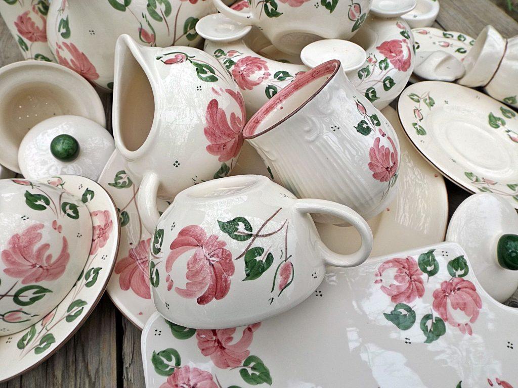 Rózsás kerámia termékek nta-kerámia műhelyéből